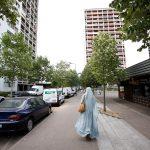 Dans une rue de Mantes-la-Jolie, en banlieue parisienne Par: Youssef Boudlal/Reuters